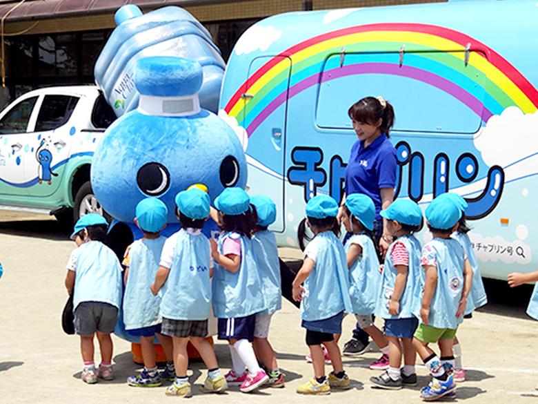 幼稚園での水分補給イベント